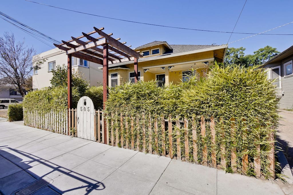Downtown Victorian with secure fencing and alarm.