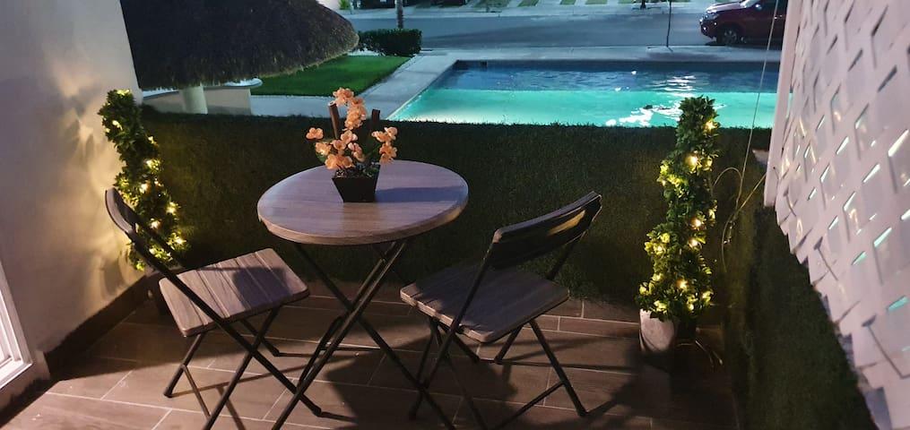 terraza o balcón  vista a la piscina