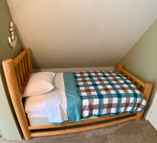 Twin Bed Upstairs