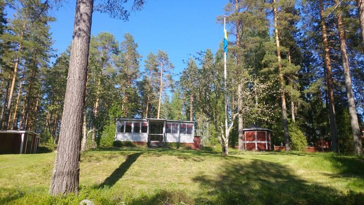 Stuga i natursköna Hertsjö