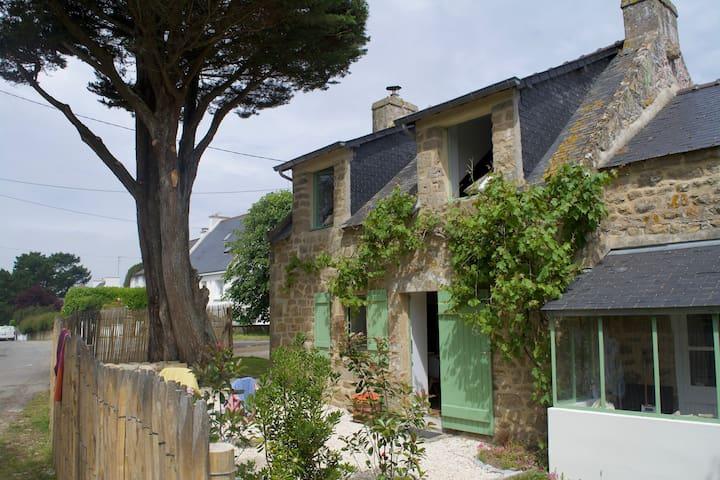 Charmante maison en pierres à Carnac