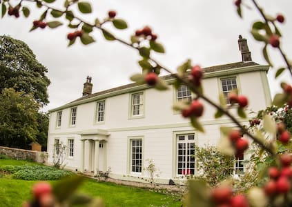 Luxury Cumbria Georgian country house for up to 18