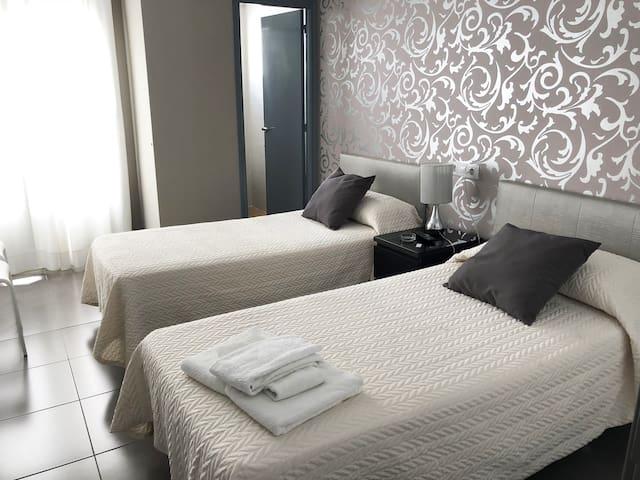 Habitación Doble Superior balcón - Una o dos camas