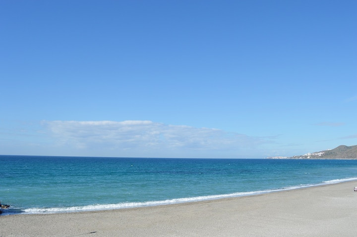 STUDIO IN FRONT OF TORRECILLA BEACH. WIFI