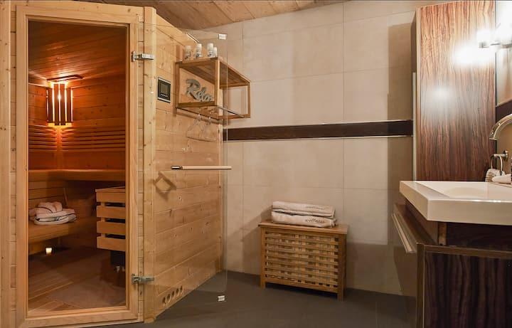 Heimelige  Ferienwohnung mit  Sauna an der Lenk