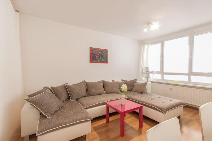 Sofa ausziehbar zum Schlafen für 2 Personen- Big sofa and bed for two