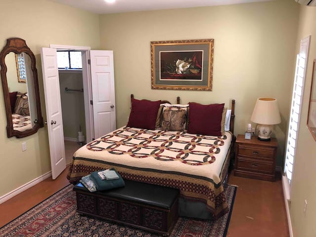 Located downstairs is the master bedroom and bathroom. King size bed with linens provided. Upon request, 2 twin beds can be substituted if preferred by guests.