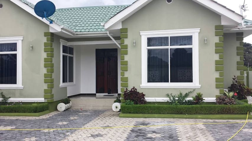 Bagamoyo accommodation to stay & House for rent