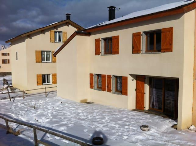 Location maison 10 personnes à puyvalador - Puyvalador - Casa