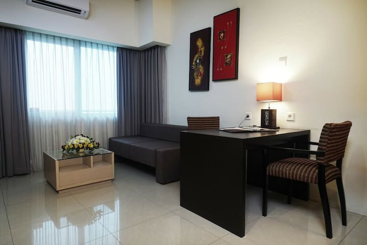 90 mSquare SOLO PARAGON HOTEL SUITE 2 BEDROOM