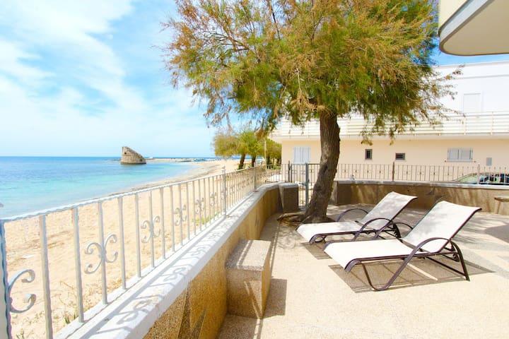 Beach House in Puglia con accesso diretto al mare!