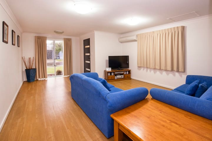 Great Family Accommodation #27 - Broadwater - Pis