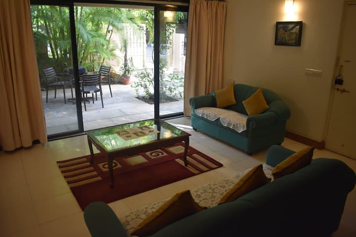 Private AC Room Nr Iyengar Memorial Yoga Institute