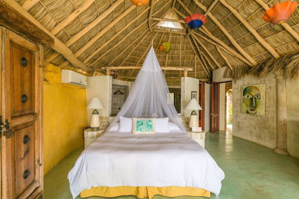 Villa Olito, for 2 people, king size bed with ocean view.