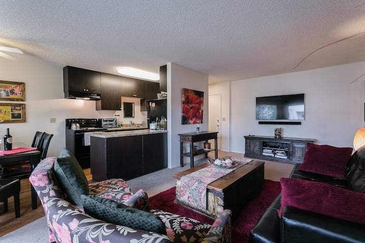 Cozy, Very Clean, Comfortable - Central Location!