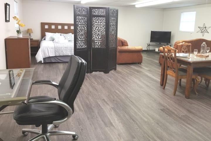 Unique Relaxing Suite & Outdoor Area