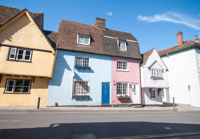 Beautiful 2-bed blue cottage with separate study - Saffron Walden - Hus