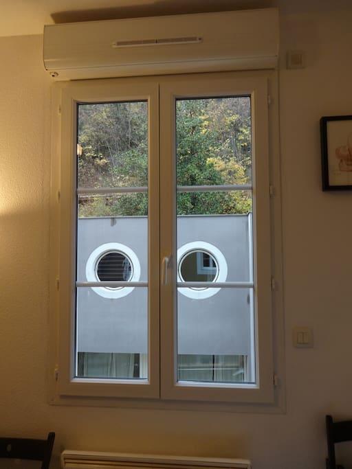 studio c t nature appartements louer grenoble rh ne alpes france. Black Bedroom Furniture Sets. Home Design Ideas