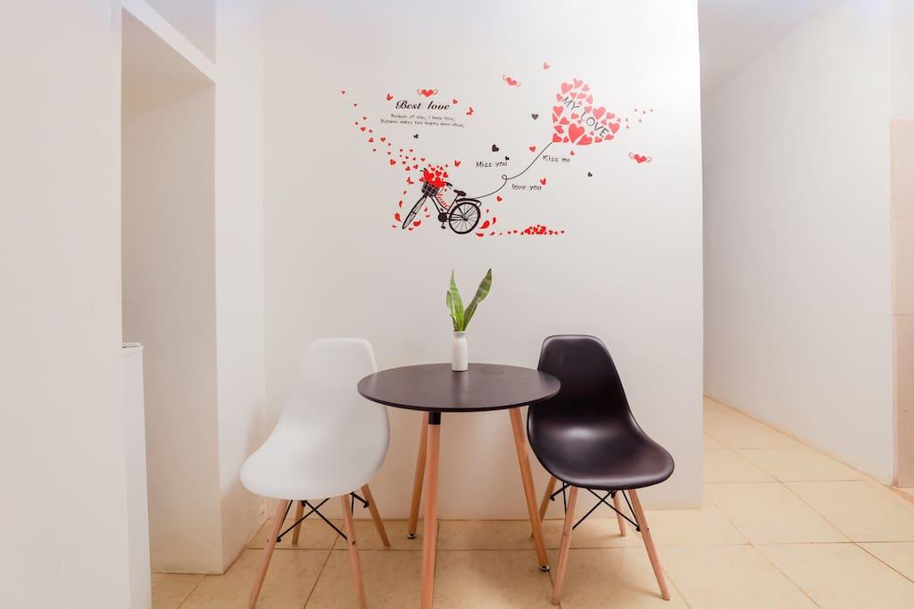 宽敞的空间简单的装饰