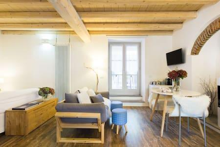 Casa di Ale Romantico appartamento con giardino sul Lago Maggiore