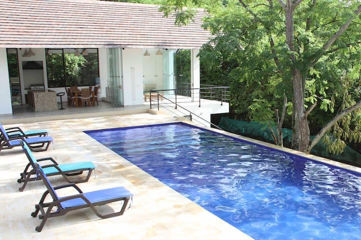 Villa Privada en Condominio de Lujo
