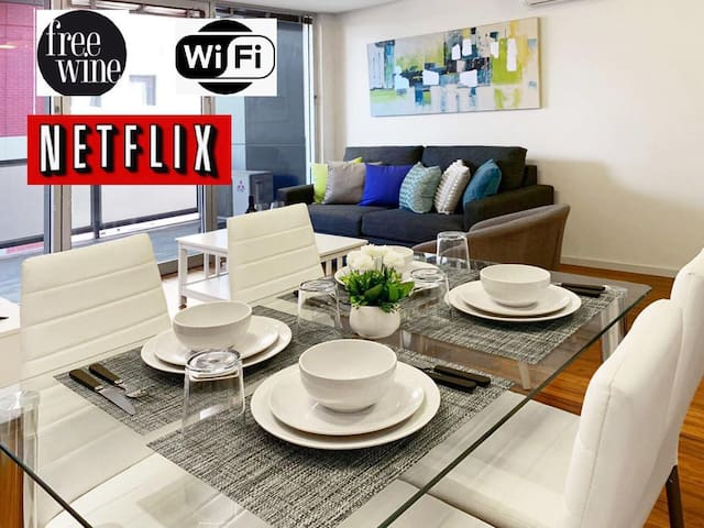 1 Bed Apt Adelaide's East End+WIFI+Netflix+Wine