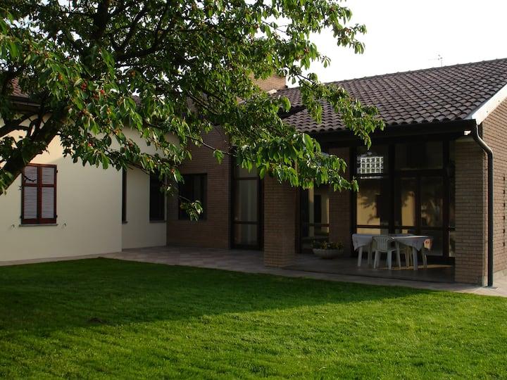 Casa nel verde vicino Malpensa e Lago Maggiore