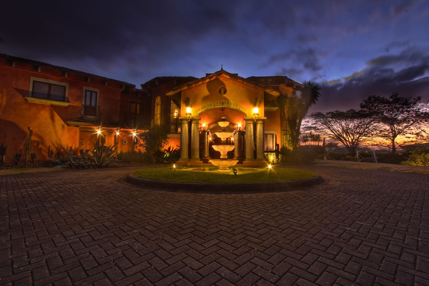 Exclusive Tuscan Mansion in CR - Villas for Rent in San José , CR ...