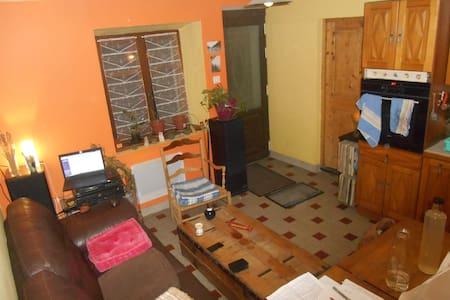 Studio à l'entrée du Vercors, proche Métro. de Gre - Sassenage