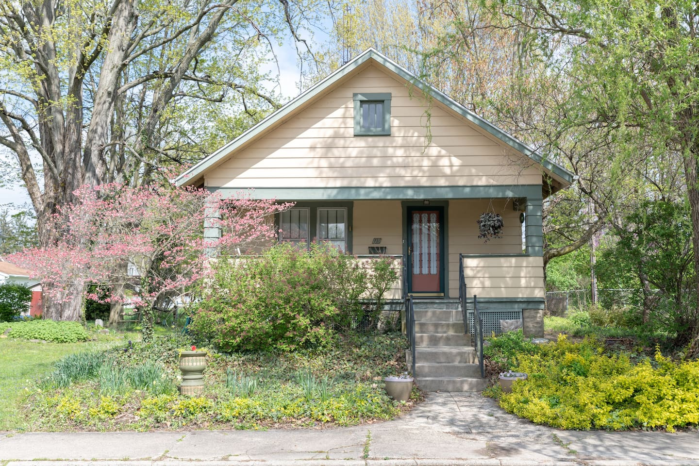 The Artist's Retreat Guest House is a 1919 Craftsman bungalow only a half-block from the campus of Earlham College.