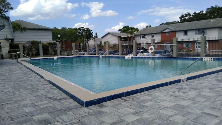 2BD condo with pool - Winter Park - Apto. en complejo residencial