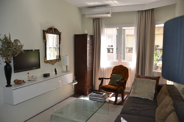 Enchanted Single Room, BEST location, BCN- Gracia