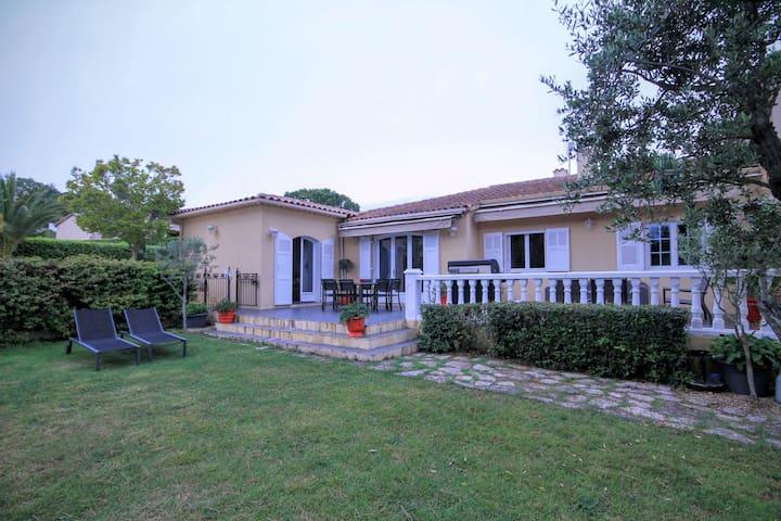 Belle Maison Provençale et son Jardin