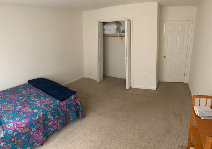 Shared apartment with own bedroom and bathroom