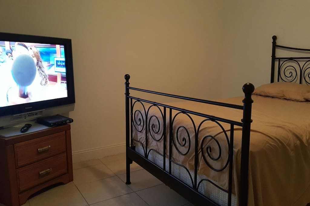 Nice bedroom with a 42 inches TV cable with all premium channels