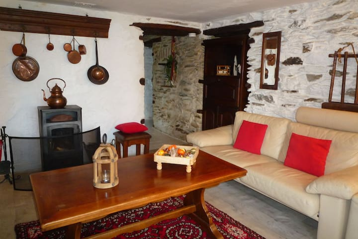 Beautiful and authentic cottage in the heart of the Ardennes