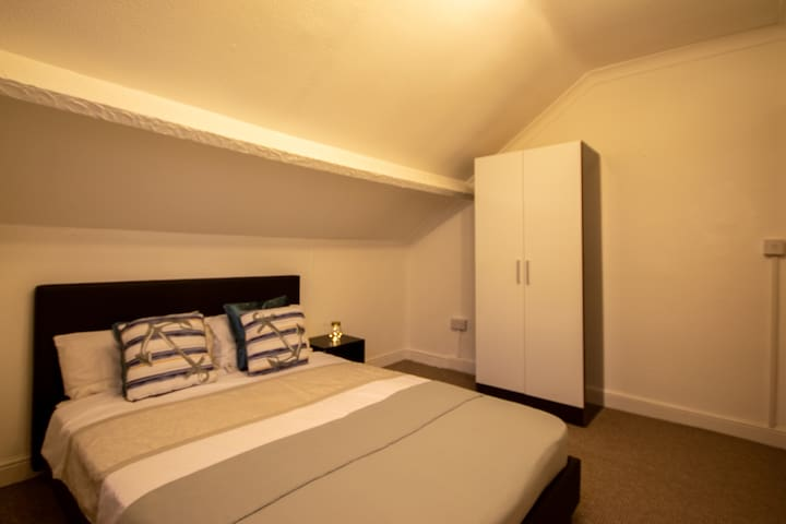 Quality Double Room - Close to Leicester Centre