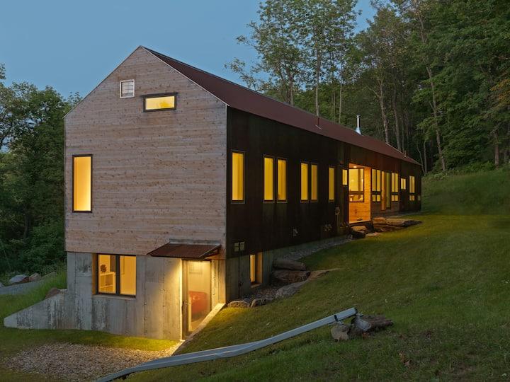 New Modern Apartment - Woodstock Village on Mt Peg