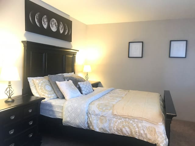Cozy Apartment Near Galleria Long stay discount