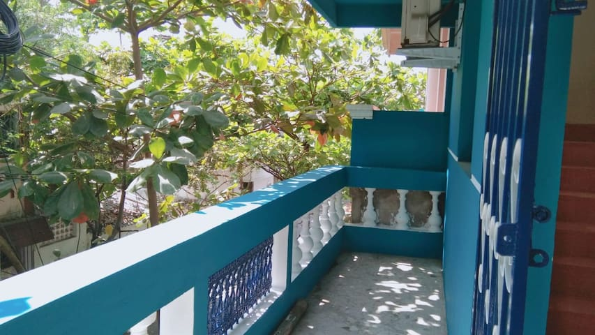 2BHK/AC house and balcony, in city center