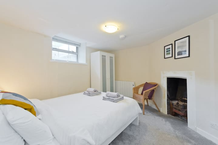 Huge 6 Bedroom Georgian Townhouse in Dublin City