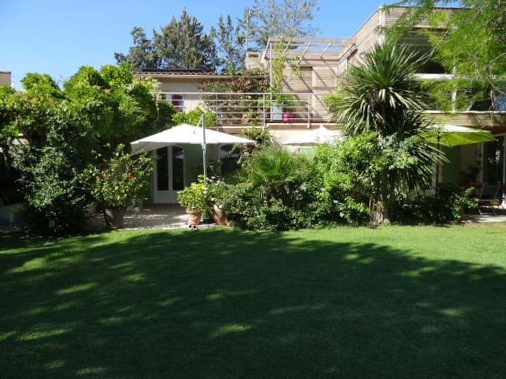 """Villa """"Les Pouces Verts"""", une ou deux chambres"""