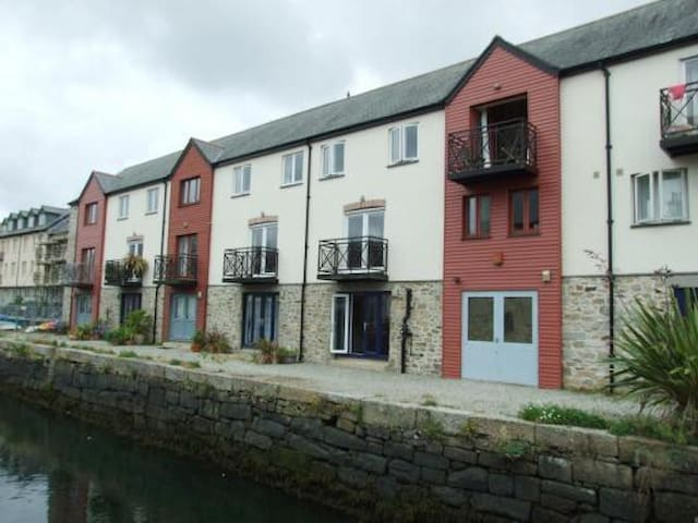 Quayside townhouse in the heart of historic Penryn - Penryn
