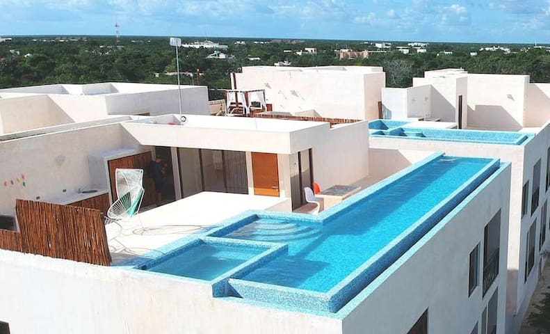 UNIQUE AMAZING PENTHOUSE, PRIVATE INFINITY POOL