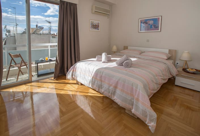 Cozy apartment,close to Acropolis (No1)