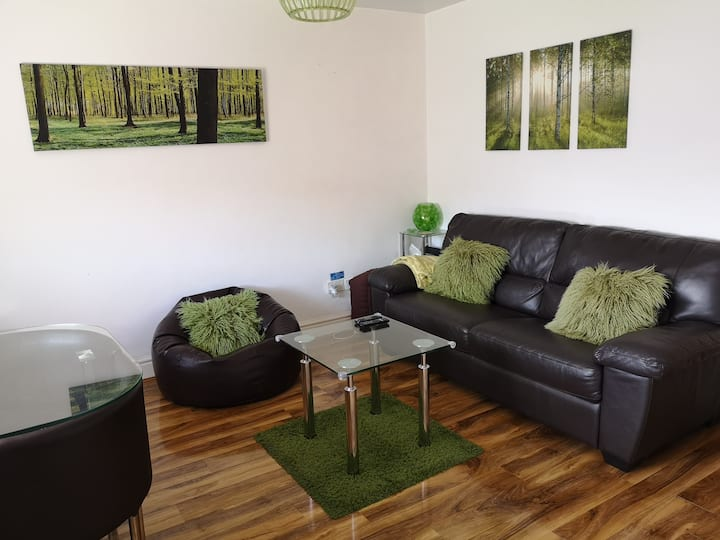 Vale View Apartment, Prestatyn (Dog-friendly)
