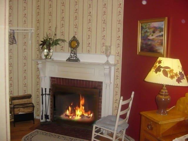 Bartlett Inn Bed And Breakfast (Inn Rm. 4)