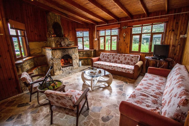 Sweetwater Guesthouse, Coastal Village Cabin