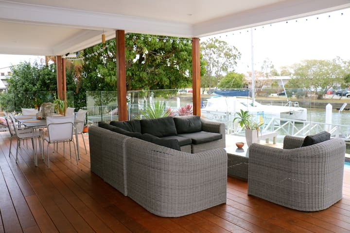 Waterfront Home Mins To Mooloolaba Beach Houses For In Queensland Australia