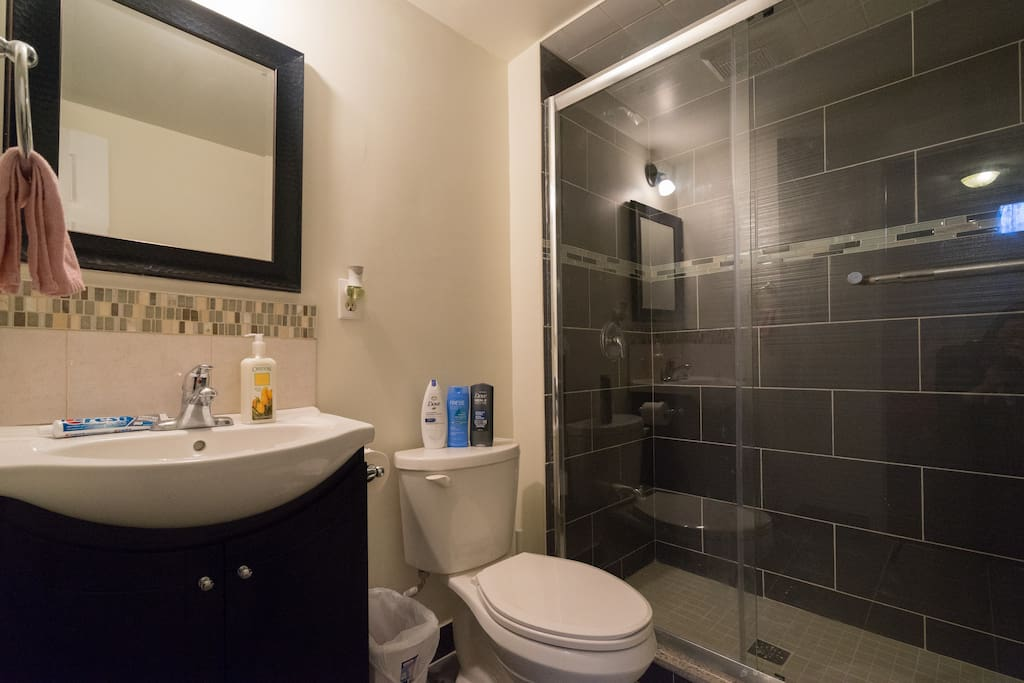 Private bathroom w/ full supply - Fresh towel, Shampoo, Body wash, Toothpaste and Facial paper